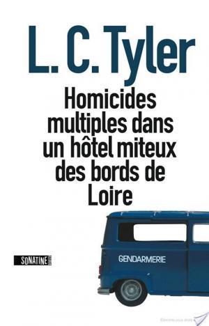 Affiche Homicides multiples dans une auberge miteuse des bords de Loire