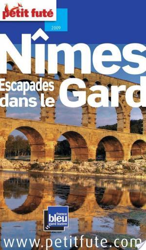 Affiche Petit Futé Nîmes, Escapades dans le Gard