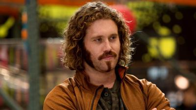 HBO renouvelle Silicon Valley mais TJ. Miller quitte la série
