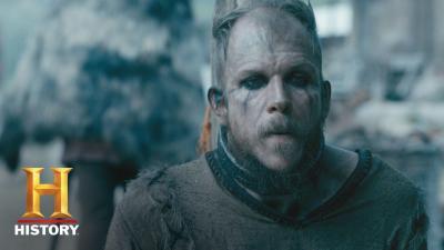 Floki découvre l'Islande dans un nouvel extrait de la saison 5 de Vikings