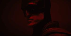 The Batman : Matt Reeves a dévoilé un premier aperçu de Robert Pattinson dans le costume du justicier